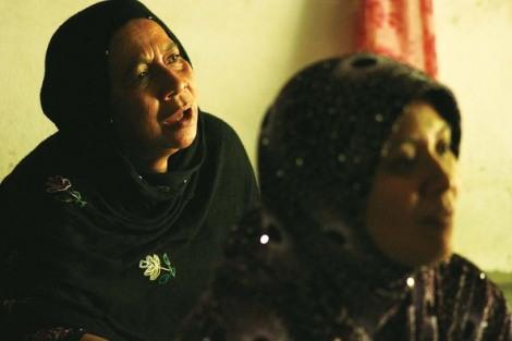 지난 3월 군경에 연행돼 고문치사를 당한 이맘 야파 카생의 가족과 이웃들이 당시 상황을 설명하고 있다. (Photo by Lee Yu Kyung)