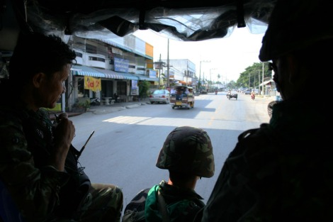 타이남부 파따니 지방에서 순찰 중인 타이 보안군들 / Security forces are patrolling in Pattani province in South Thailand (Photo by Lee Yu Kyung)