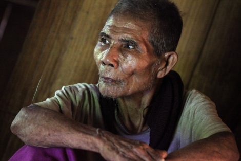 Telly, 75 years-old Karen man living in Ei Thu Hta IDPs camp, said he would not flee anymore even if there's another offensive by Burma Army combined with the pro Junta DKBA. Hundreds of thousands people in ethnic state in Burma have been displaced numberous times since the civil war broke out half a century ago. (Photo by : Lee Yu Kyung)