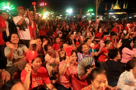 "Several thousands Red Shirts gather at Suan Siam (or ""Siam Park"") on July 23 to campaign for the prisoned candidate Korkaew Pikulthong. Mr. Korkaew is a candidate for the opposition Pheu Thai party running for sunday by-election. He is also one of the core Red Shirts leaders who have been prisoned with charges of terrorism. (Photo @ Yu K. Lee)"