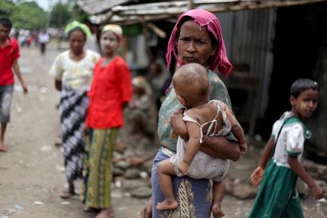 아라칸 주 시뜨웨시에 마지막 남은 무슬림 구역, 아웅 밍갈라는 보안군의 체크포인트와 라까잉 불교도들 마을로 둘러쌓여 있다. 이동의 자유가 제한되고, 생필품이나 구호물자를 정상적으로 조달받지 못한다. (Photo © Lee Yu Kyung)