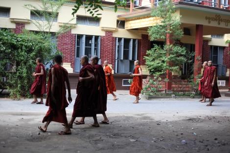 버마 중북부 만달레이에 있는 마소예인 사원은 한때 반독재 민주화운동의 상징이었다. 하지만 민주화 개혁이 진행되면서 이 사원은 '반이슬람인종주의'의 본부 역할을 하고 있다. (Photo © Lee Yu Kyung 2013)