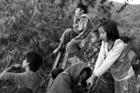 Absolute majority of IDPs from Nam Lim Pa caused by the latest conflict in November 2013 were children and women with small number of men. Many of them have been displaced multiple times in recent weeks and months. (Photo © Lee Yu Kyung 2013)