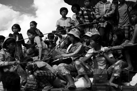 Absolute majority of IDPs from Nam Lim Pa due to the latest conflict were children and women with small number of men. (Photo © Lee Yu Kyung 2013)