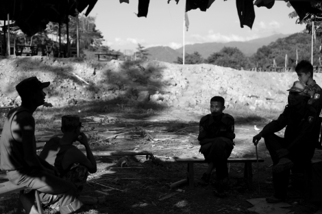Cadres of ABSDF Northern Branch (ABSDF-NB) in Kachin state. ABSDF has celebrated 25th anniversary in 2013. It has signed a ceasefire with the government months earlier. KIA accommodates a few other armed groups in Kachin state with whom they wage joint-operation against the government troops at times. (Photo © Lee Yu Kyung)