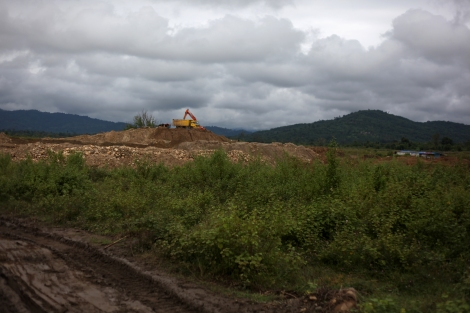 Gold mining site near Laiza, the rebel's capital in Kachin state. Abundant natural resources such as gold, timber and jade in Kachin state have been exploited mostly by Chinese companies. Both Burmese government and KIO are beneficiary of the natural resources, which is significant portion of financial source of the war. It is also argued that the control over natural resources is partly attributed to the ongoing war. (Photo  © Lee Yu Kyung)