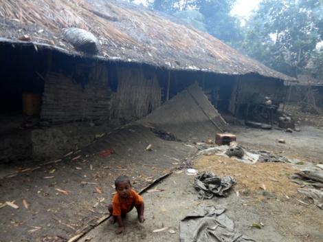 두치야단 학살이 일어나고 약 한 달 뒤에 촬영한 마을의 모습. 방화와 약탈의 흔적이 여전하다 (시민기자 압둘 제공)