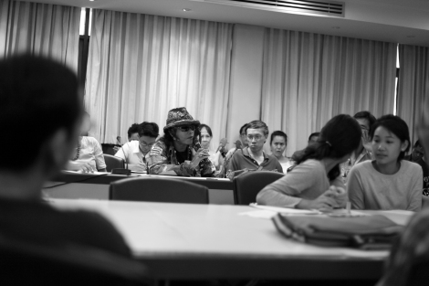 Questions at the seminar in commemoration of the October 6 massacre '혹 뚤라' 탐마삿 학살 38주년 기념 세미나 청중 질문 (Photo © Lee Yu Kyung 2014)