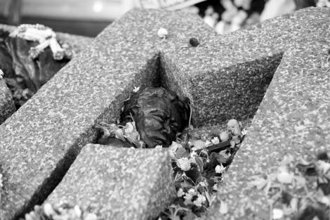 October 6 Massacre Memorial, R.I.P  '혹 뚤라' 탐마삿 학살 기념비(Photo © Lee Yu Kyung 2014)