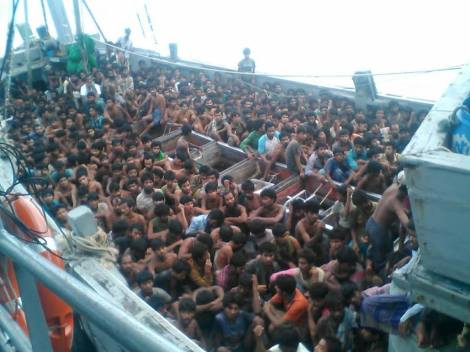 "The second boat having over 700 rescued by Burmese Navy on May 29. The government of Burma (or Myanmar) claimed that boat people were ""Bengalis"" or ""from Bangladeshi"". (Photo : Ministry of Information of Myanmar)"