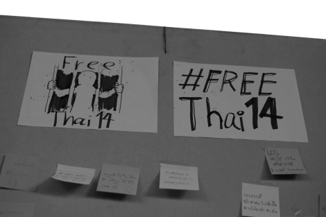 """""""Free Thai the 14"""" Mass 'post-it' turned out on July 3rd at National Stadium metro station in downtown Bangkok in a support of 14 students of Neo Democracy Movement who are behind the bar. Hundreds of people were attracted. (© Lee Yu Kyung 2015)"""