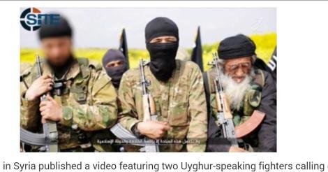"""중국 정부는 """"강제송환된  백여명이  이라크와 시리아로가는길이었다"""" 고  말해  IS 변수를 적극 활용하고 있다. 이런 가운데 '지하드 뉴스"""" 를 집중 분석하는 미국소재  'SITE Intel Group' 가 최근  IS가 위구르족선동하는 비디오를 올렸다고 밝혔다.  (사진 : SITE Intel Group 사이트 캡쳐)"""