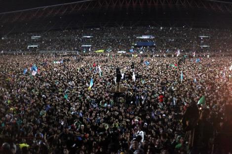 2013년 더 많은 득표를 하고도 정권교체를 이루지 못한 말레이시아 야당과 시민사회는 연일 정치개혁을 외쳤다. 2년이 지난 현재 총리의 부패스캔달까지 터지면서 다시 개혁요구가 거세다. 그러나 '인종정치'라는 해묵은 변수가 발목을 잡는 가 하면 야당은 보스정치의 잔해를 벗지 못하고 있다 (© Lee Yu Kyung)