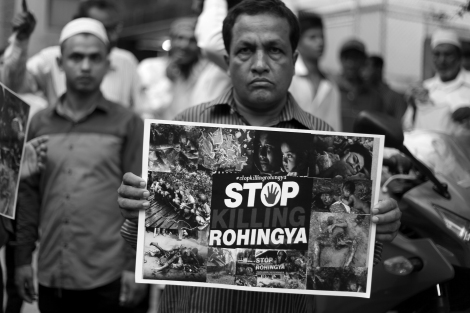 Eager to show their picket. Rohingya Protest Bangkok. Stop the Military operation. End the Ethnic Cleansing © Lee Yu Kyung 2016