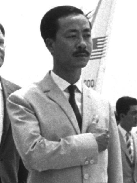 WAR & CONFLICT BOOKERA:  VIETNAM